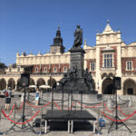 Realizacja nagłośnienia przemówienia na Rynku Głównym w Krakowie. Blue Light